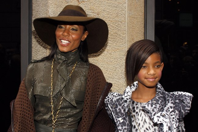 Willow Smith, leopard print coat, Jada Pinkett Smith, hat brown hat, brown jacket, necklace