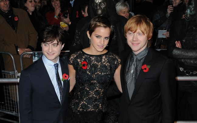 Emma Watson, black lace mini dress, Daniel Radcliffe, Rupert grint