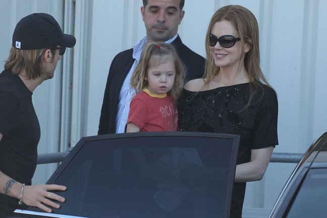 Nicole Kidman, black top, black off-the-shoulder top, sunglasses, Keith Urban