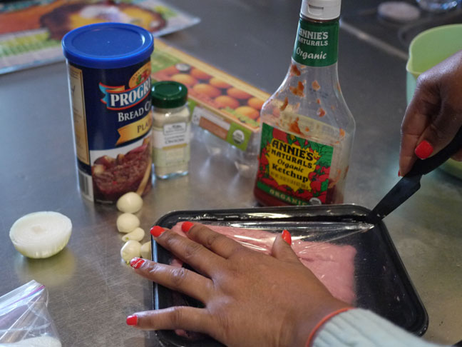 ingredients for turkey meatballs includes bread crumbs turkey mince tomato sauce onions and some garlic