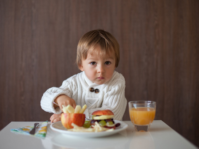 how to teach kids proper table manners