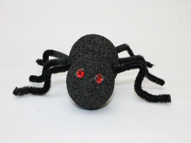 DIY Spooky Styrofoam Spider Craft; kelly ladd sanchez; mumtastic.com
