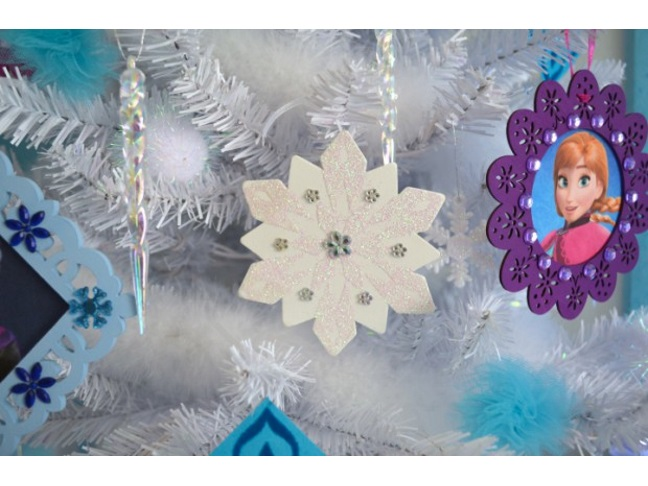 Frozen-Christmas-Tree-Snowflake-ornament-MyMommaToldMe.com_