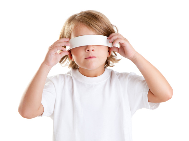 blindfold-sensory-game-for-new-years-party