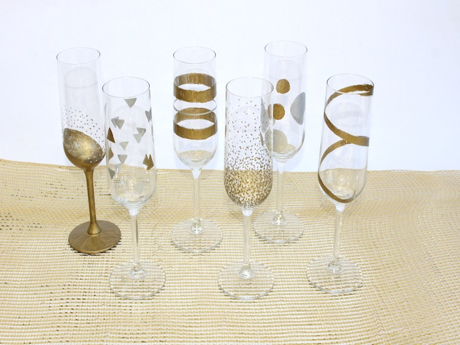 Easy DIY New Years Eve Hand Painted Champagne Flutes; kelly ladd sanchez; klscrafts.com; mumtastic.com