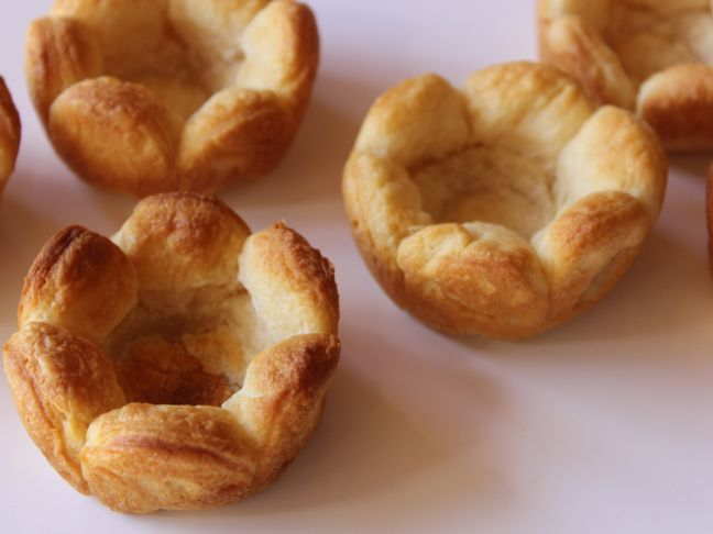 crescent-rolls-flower-cups-dough-golden-pastry