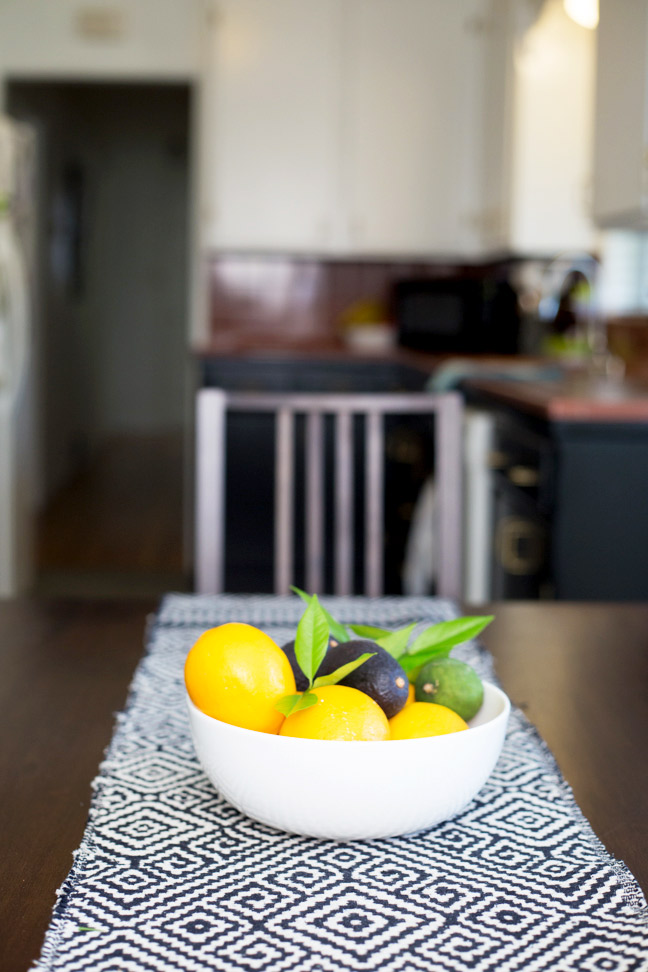 bowl-of-citrus-on-table