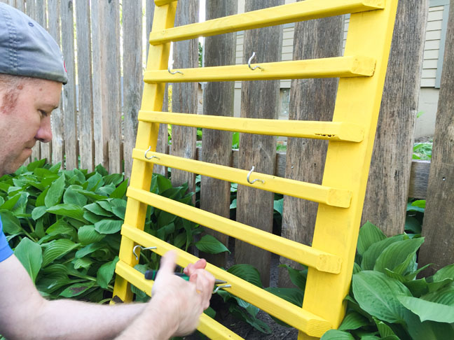 diy-vertical-herb-garden-21