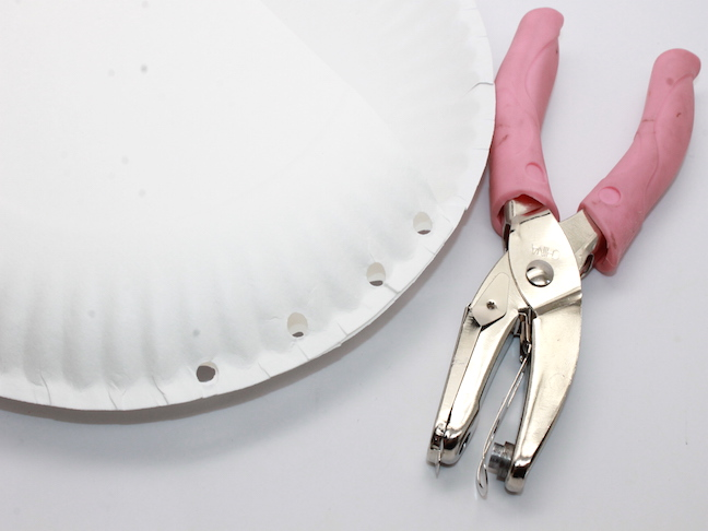 hole puncher paper plate