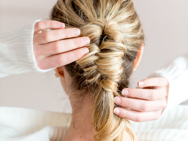 Six diy easy braids for everyday wear mumtastic 6 chic easy braids you can do yourself solutioingenieria Choice Image