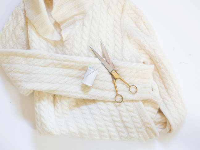 sweater-scissors-needle-thread