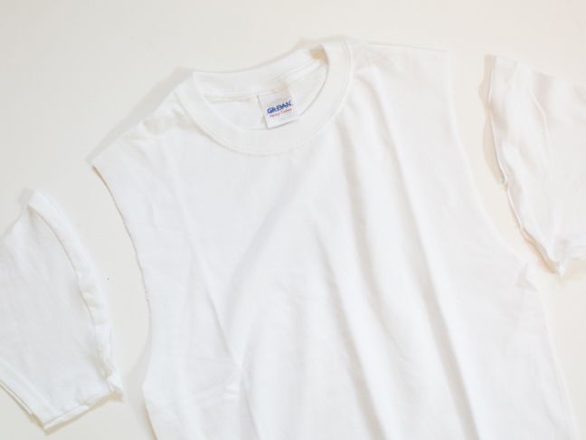 tee-with-sleeves-cut-off