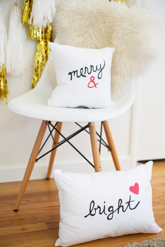 pottery-barn-inspired-painted-holiday-pillows1