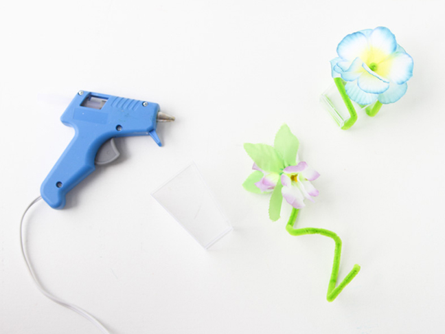 add-flowers-to-pipe-cleaners
