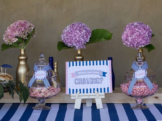 gender-reveal-party-craving-salty-sweet-pink-blue-white-flowers-baby-shower