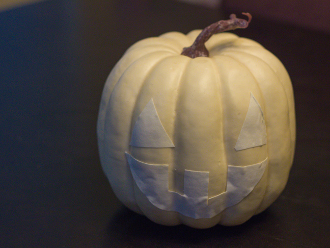 DIY_Glow_In_The_Dark_Pumpkin_6