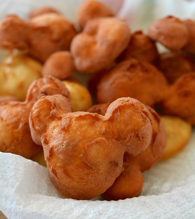 mickey-mouse-beignets-recipe-5