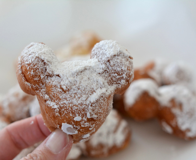 mickey-mouse-beignets-recipe-7