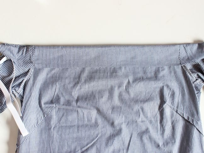 blue-and-white-striped-shirt-with-seam-folded-ver