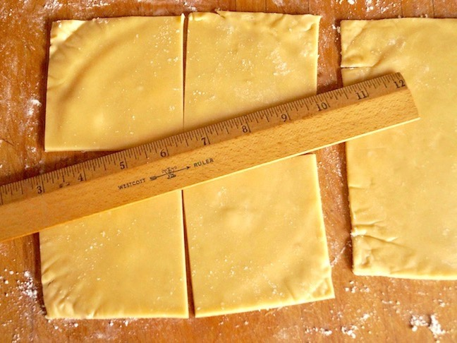 pastry dough-ruler-beige