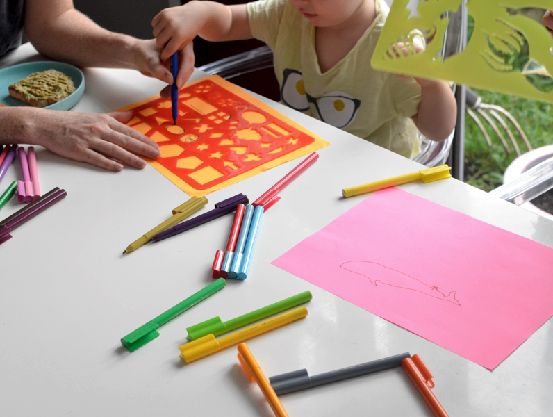 Games to play at dinner with toddlers