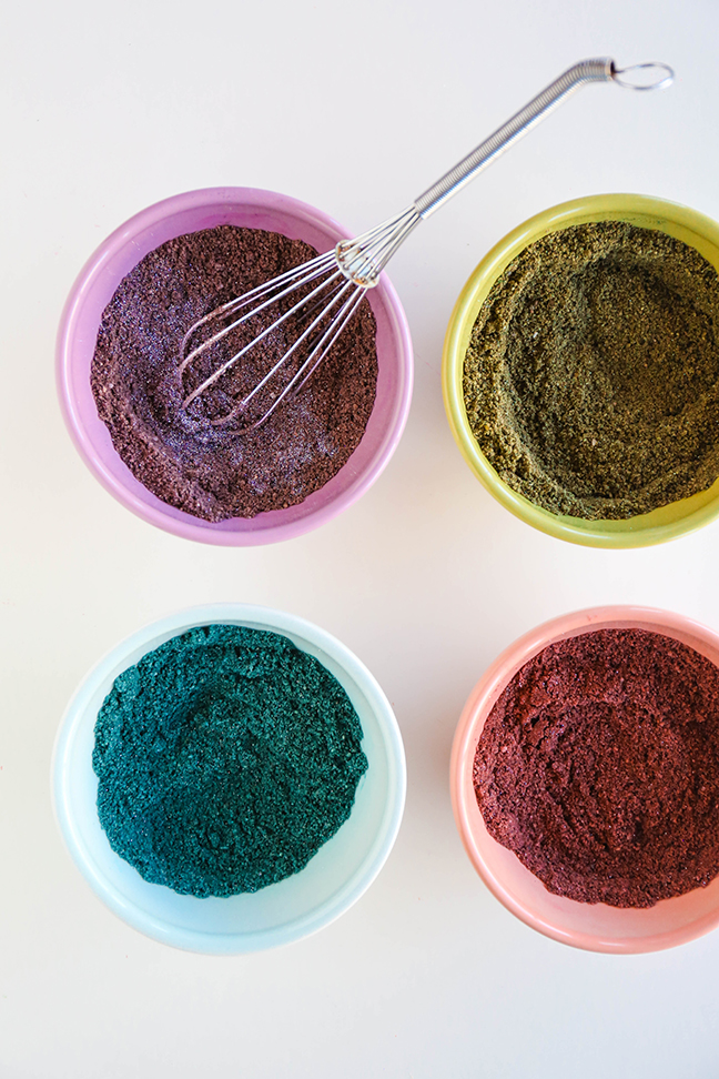 colouring the sand