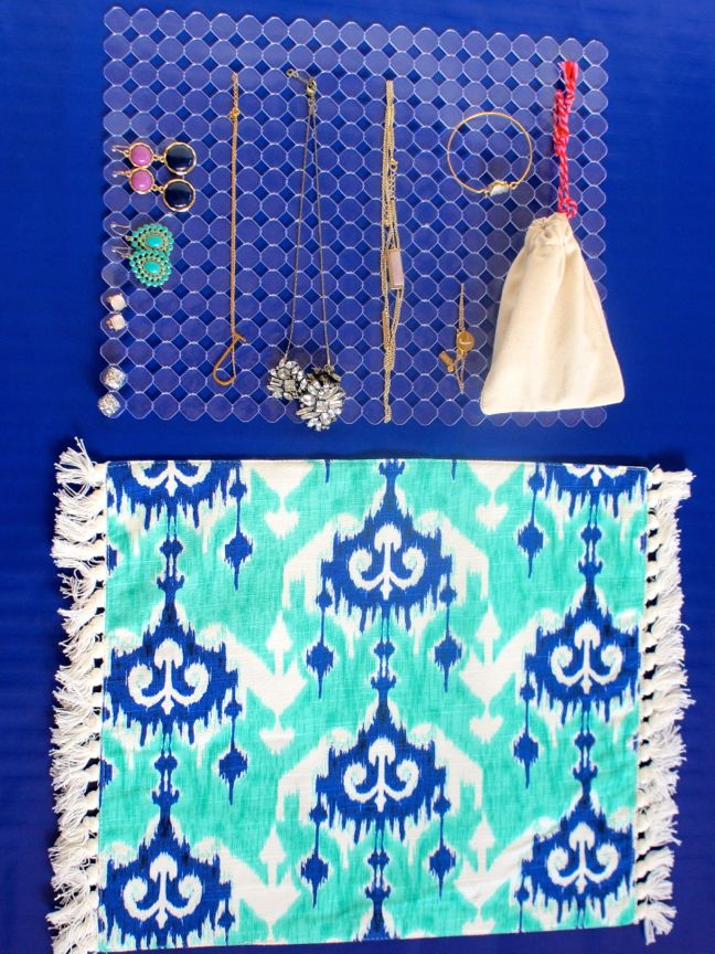 diy-travel-jewelry-case-with-sink-mat-and-colorful-blue-ikat-placemat