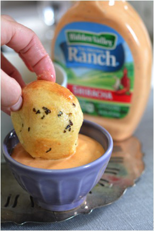 bread-dipping-in-ranch