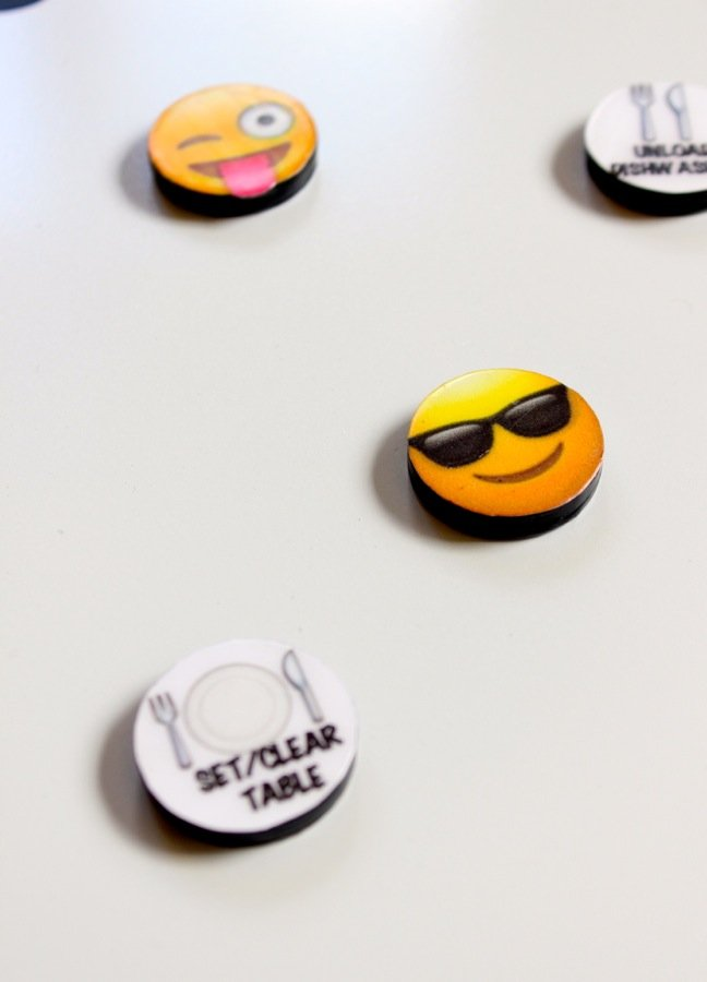emoji-diy-magnets