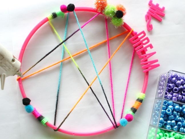 noeon-colored-diy-dream-catcher-pom-poms-beads-pink-dream-letters