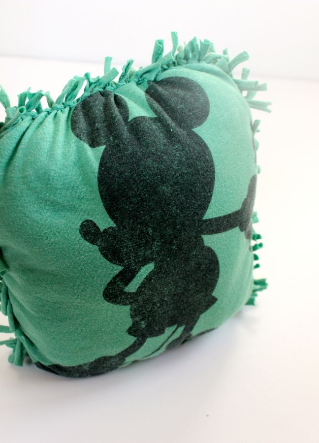 green-mickey-mouse-diy-no-sew-pillow
