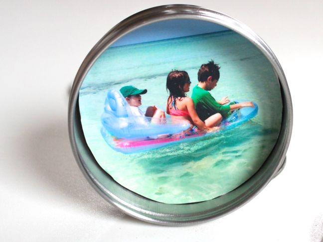 photo-of-three-kids-on-a-floatie-in-the-ocean-round-stainless-steel-container