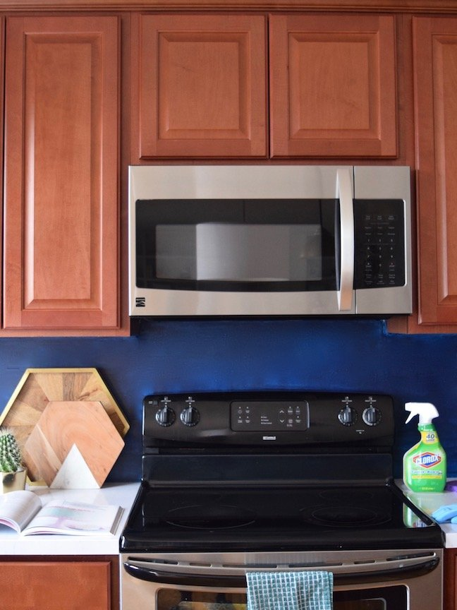 How to Really Clean Your Stove Step-by-Step