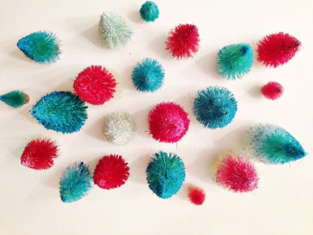 diy-dip-dyed-bottle-brush-trees.ohlovelyday.9