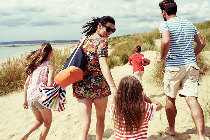 10 Ways to Save Money On a Family Vacation This Summer