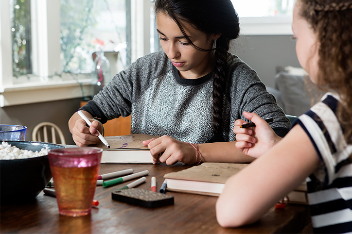 10 Summer Crafts To Keep Tweens Out of Trouble