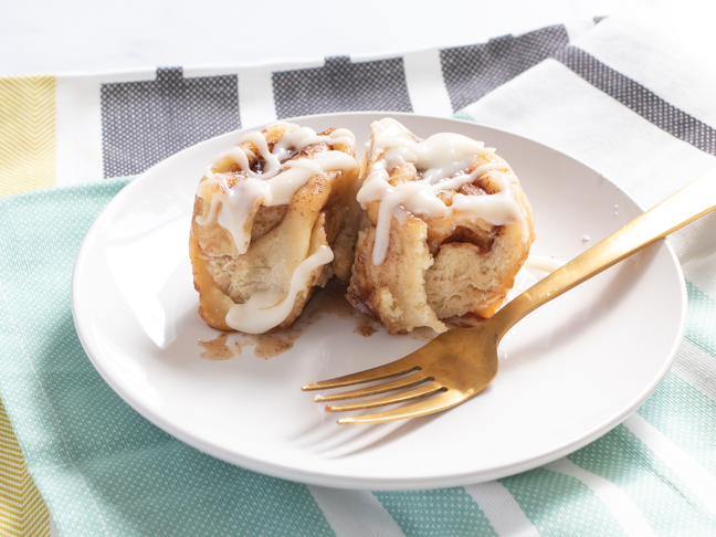 How to Make No-Yeast Cinnamon Rolls In An Instant Pot