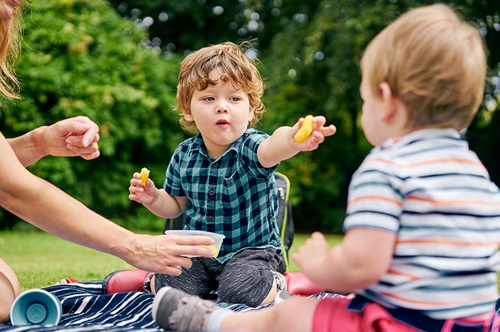20 Healthy (and Tasty) Playdate Snacks For Kids of All Ages
