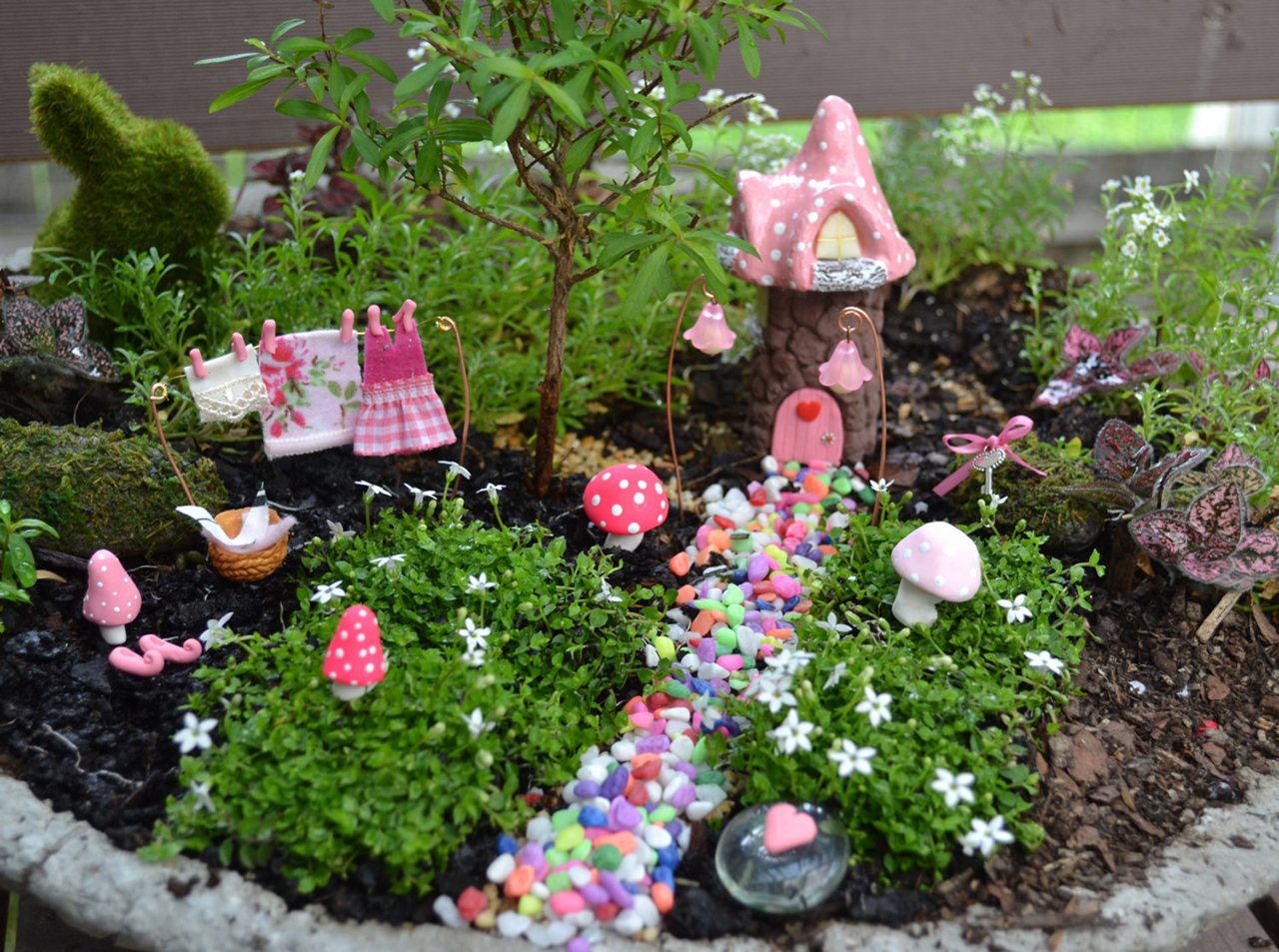 13 Fairy Garden Ideas For Kids That Are Totally Magical