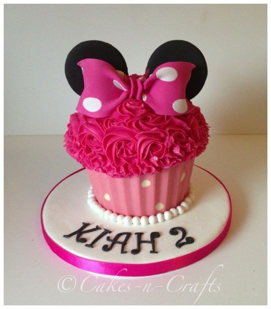 Who Baked Minnie into a Cupcake?
