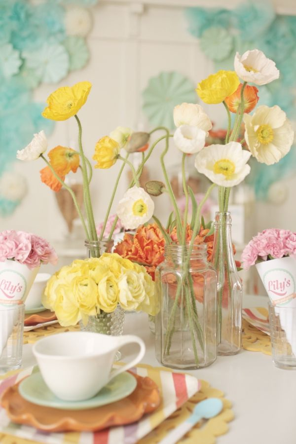 Simple Vases and Flowers