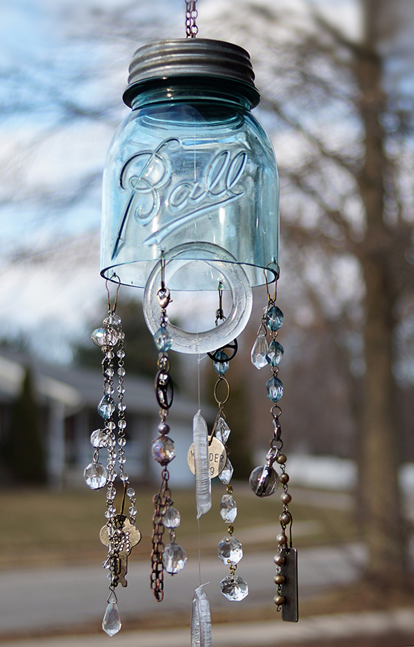 Outdoor Living: Make a Jar Wind Chime