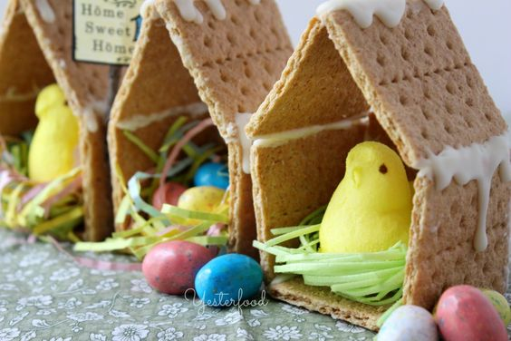 Graham Cracker Birdhouses
