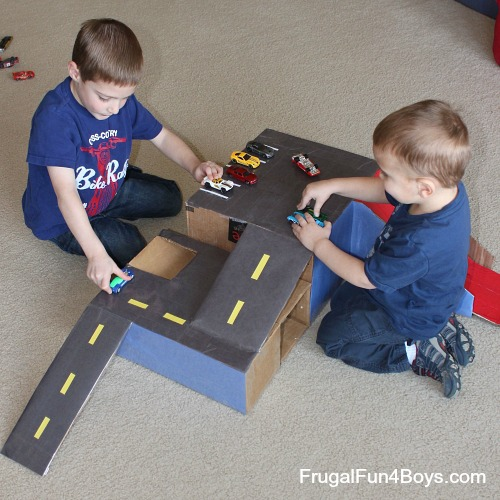 Cardboard Hot Wheels Garage
