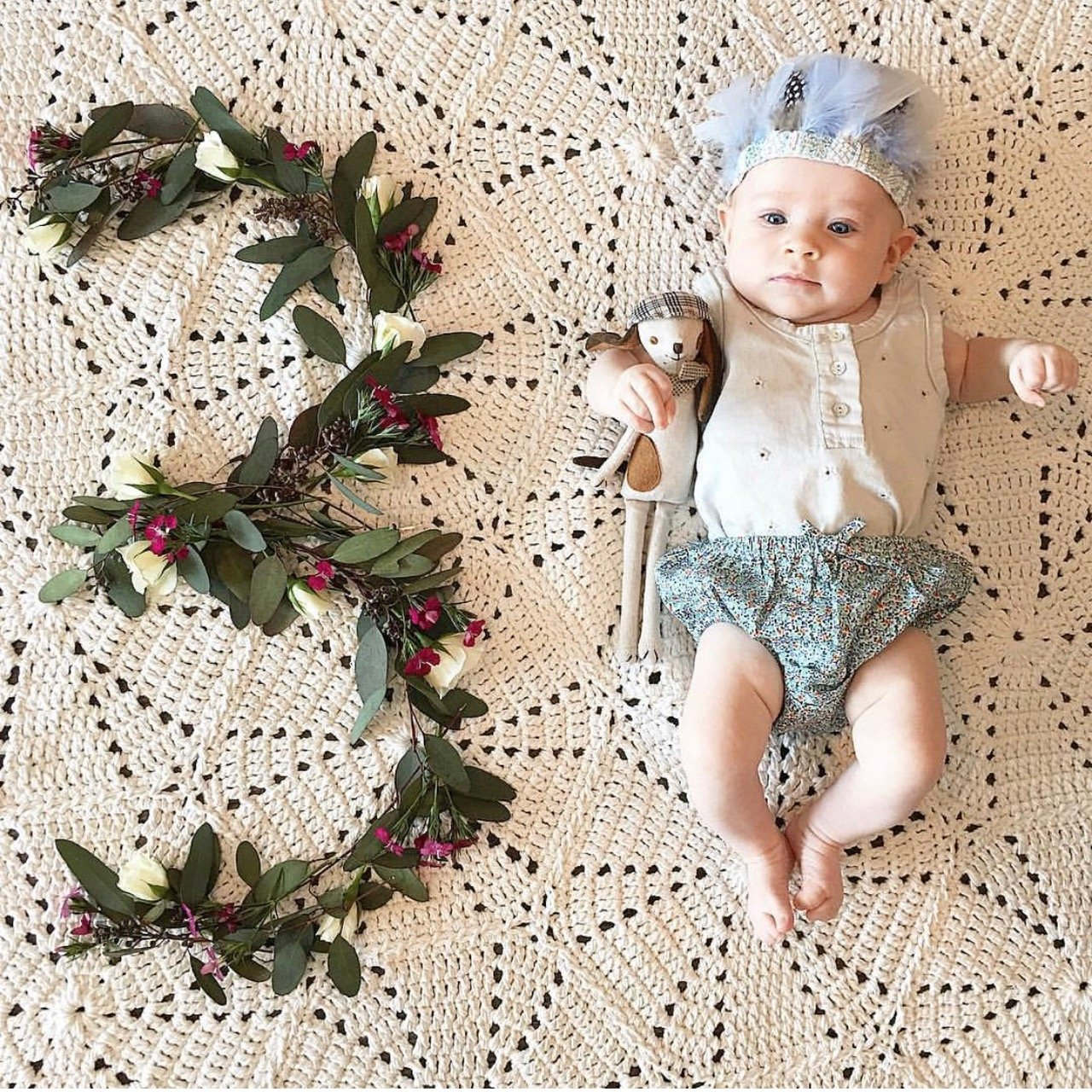 11 Adorable Monthly Baby Photo Ideas To Track The First Year