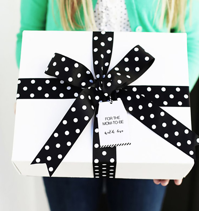 Chic Gift Wrapping
