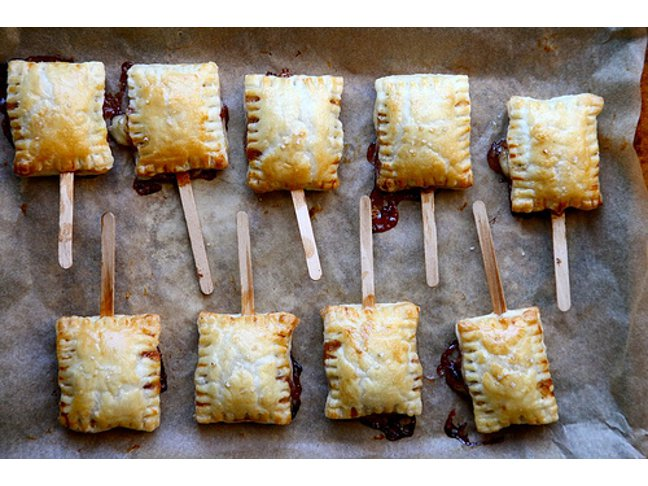 Bite-Sized Baked Brie Appetizer