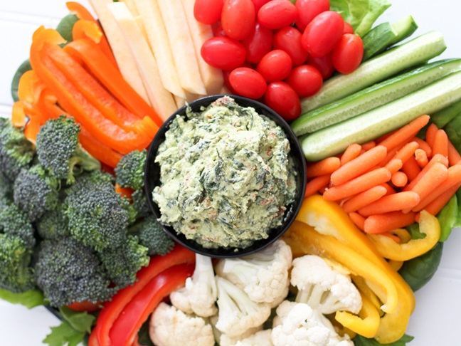 Spinach Dip with Cut up Veggies