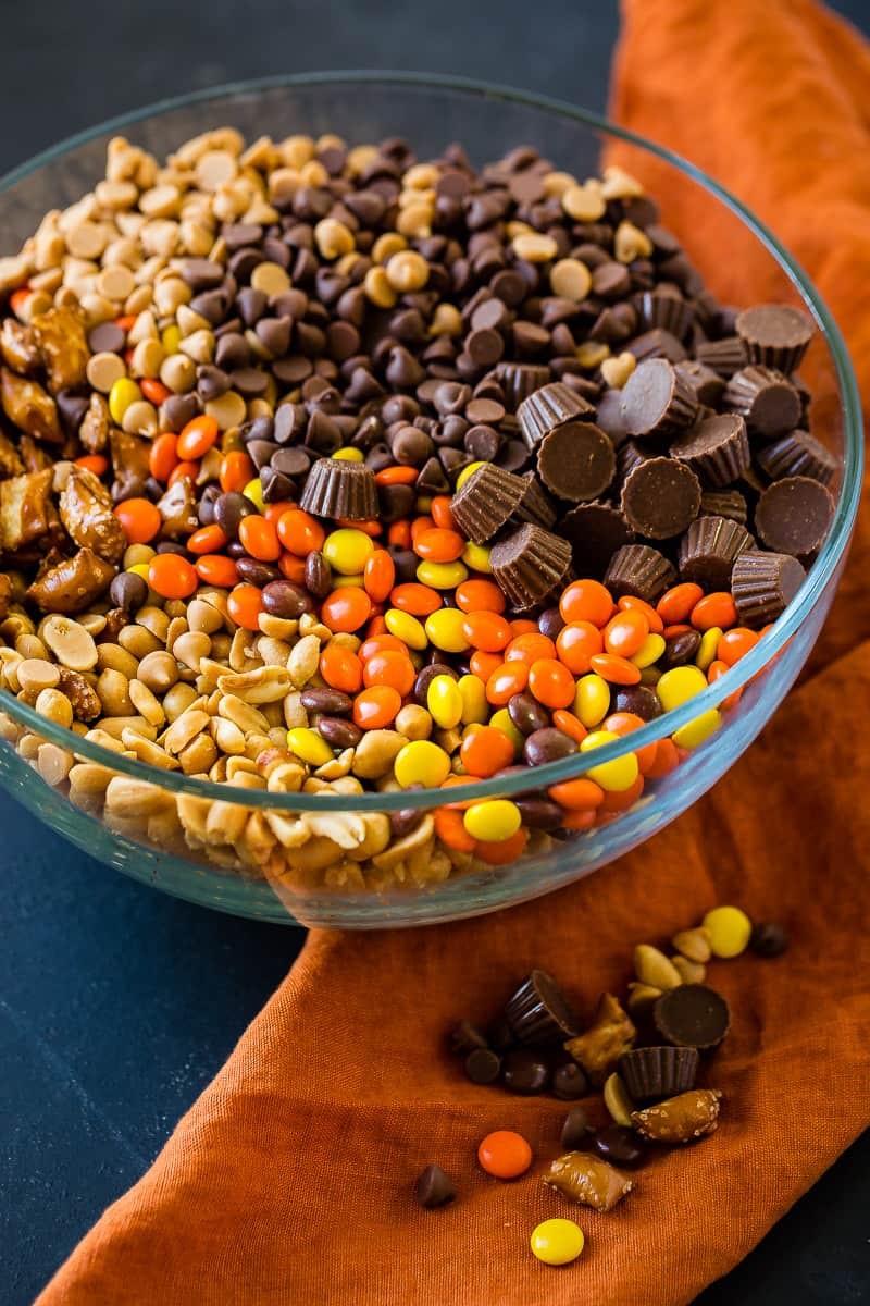 5 Minute Reese's Snack Mix