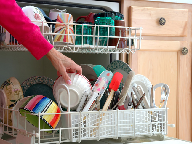 Clean your dishwasher with vinegar and baking soda